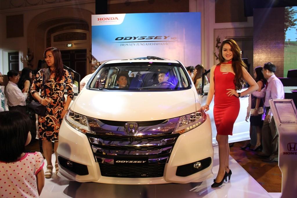 Honda Odyssey 2016 bắt đầu giao xe cho khách hàng